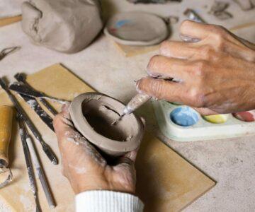 Ceramika i mała forma rzeźbiarska (młodzież i dorośli)