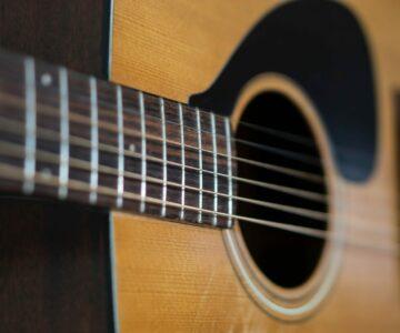 Gitara akustyczna i elektryczna
