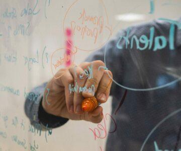 Innowacyjny biznes w internecie. Twoja firma krok po kroku